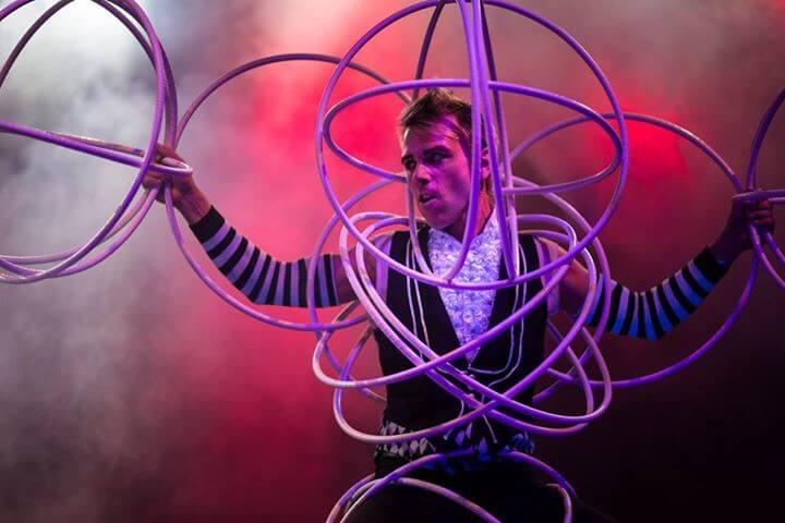 native american hooping meets modern hooping comedy act rewi hoop hooligan