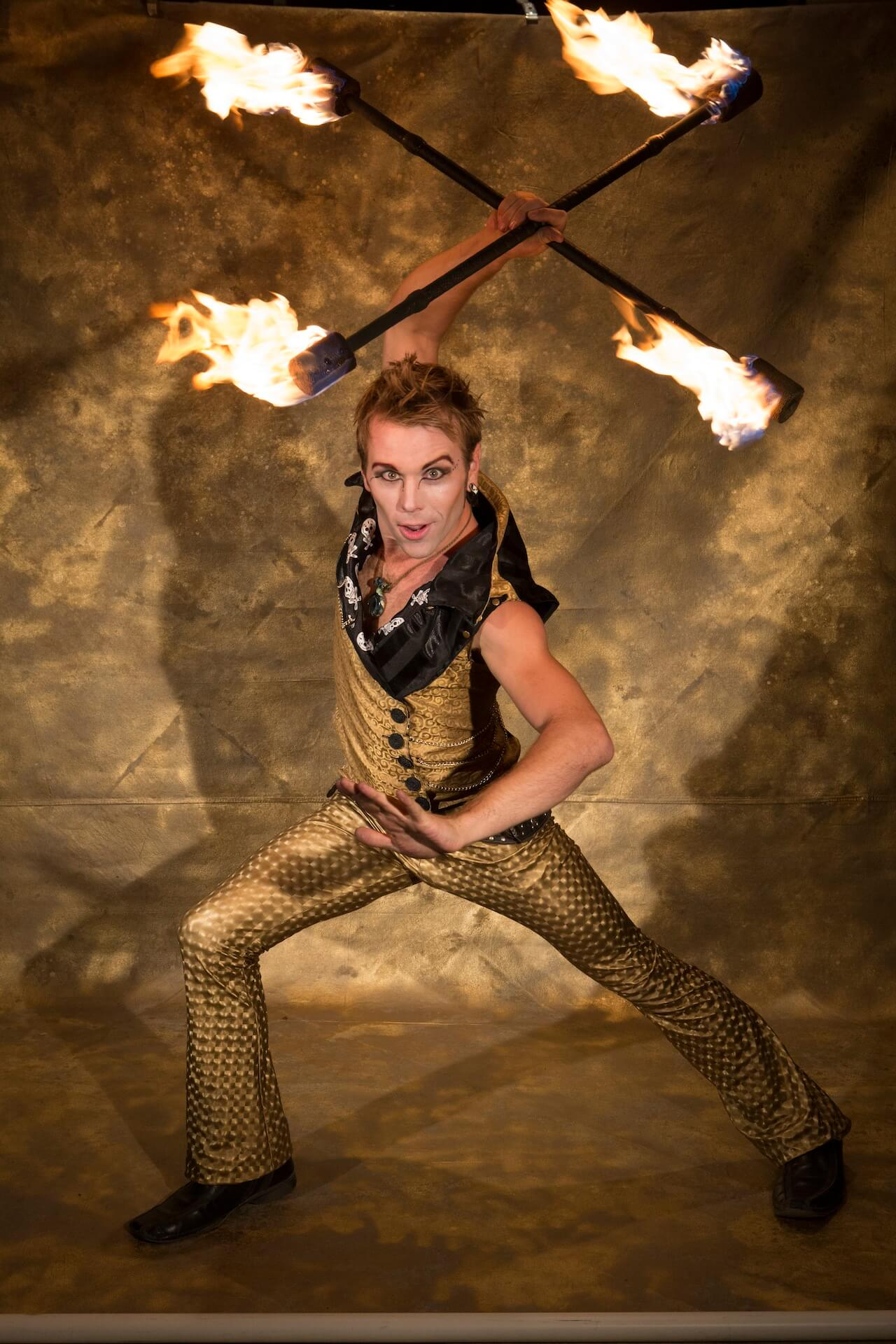 top new zealand fire dancer Rewi HoopHooligan